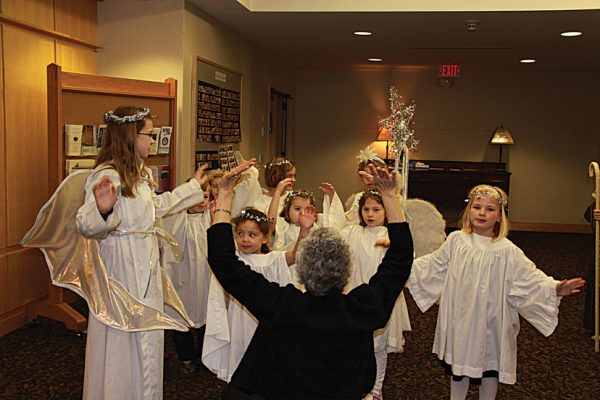 CHRISTMAS PAGEANT ANGELS